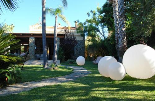 Vacation Service - Emiri Bay Villas
