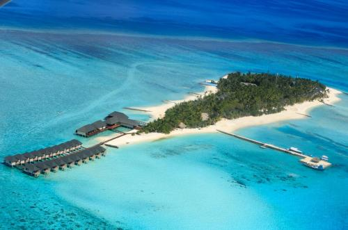 Description For A11y Summer Island Maldives Resort