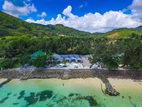Le Nautique Beachfront Apartments Mahe