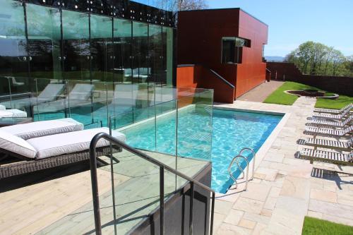 Ockenden Manor Hotel & Spa