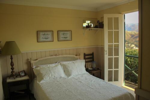 Suite de hóspedes próxima ao Castelo de Itaipava