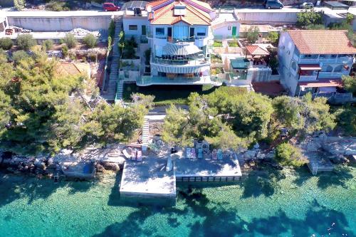 Luxury Villa Exclusive Karbuni