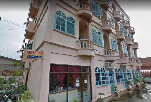 Khok Chang Building