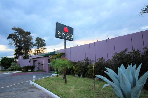 Snob Motel (Adult Only)