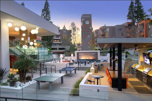Superb Studio City LA Suite