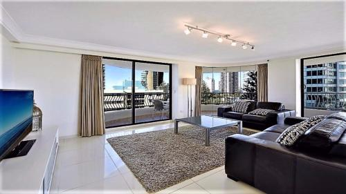 Exclusive Apartment in Surfers