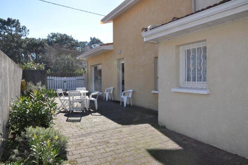 Villa proche du centre dans une rue calme - 2280