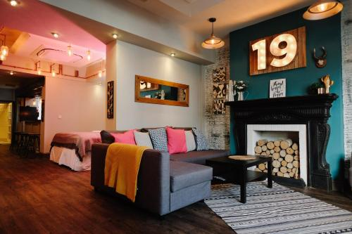 19 Mary Street