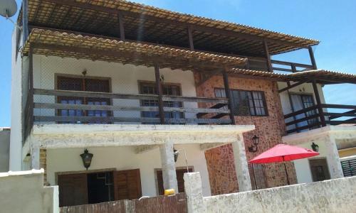 Casa Tríplex 4 quartos em Figueira - Arraial do Cabo. Bem localizada (50m da praia).