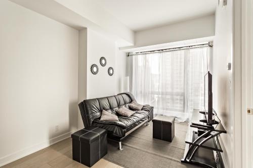 One Bedroom Condo - Tour Des Canadien