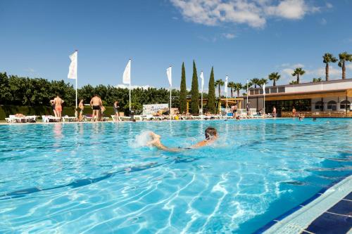 Description for a11y. Camping Platja Cambrils