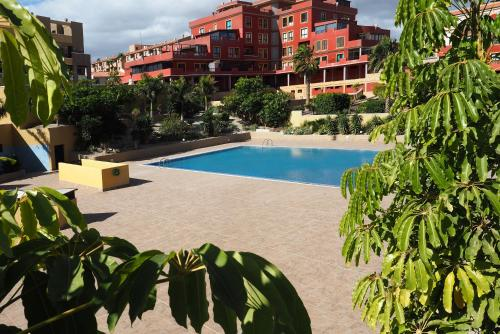 La Perla: Sea View and Pool (family apartment)