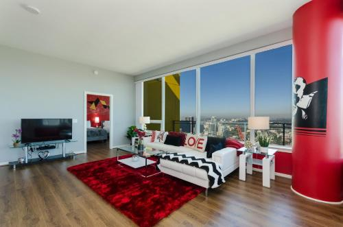 Downtown San Diego 3500sqft Penthouse with Private Rooftop Jacuzzi