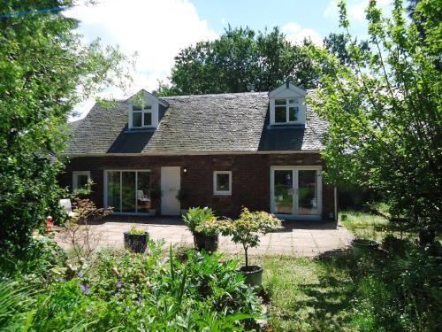 Garden Cottage Bishopton