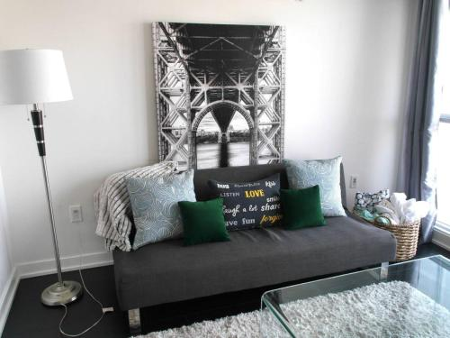Stylish 1BR - Great Location - Spectacular View!