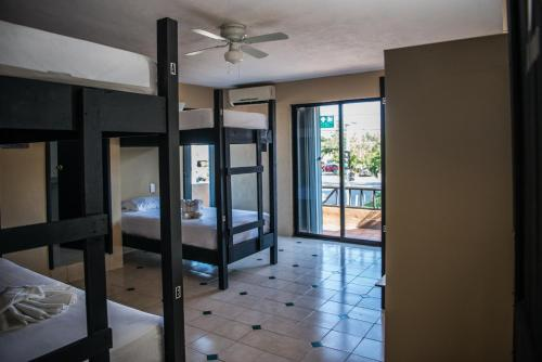 Deja Hostel Suites
