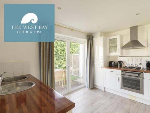Two bedroom cottage with en-suite or cloakroom at The West Bay Club & Spa, Yarmouth