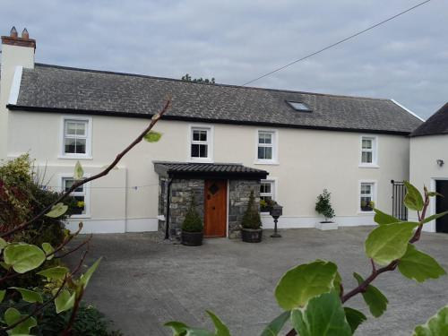Traditional Farmhouse 10 km Kilkenny