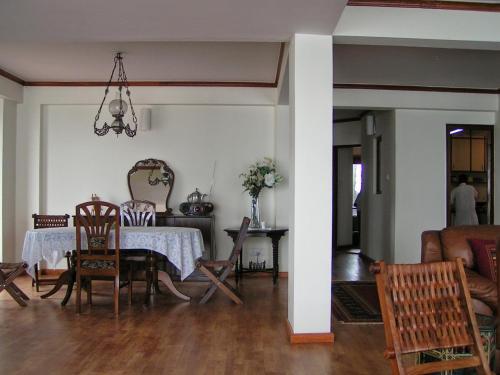 Large fully furnished 3 BHK