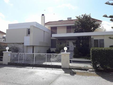 sunny house in Ialysos
