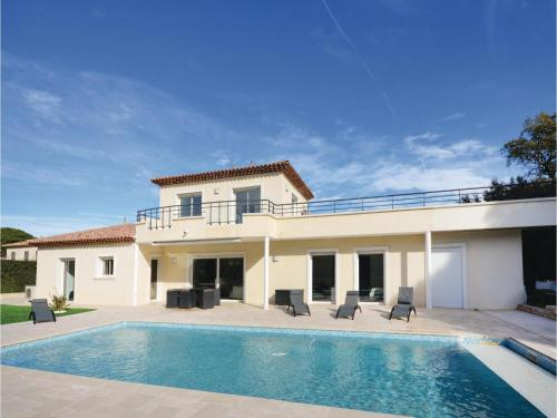 Four-Bedroom Holiday Home in Saint Raphael
