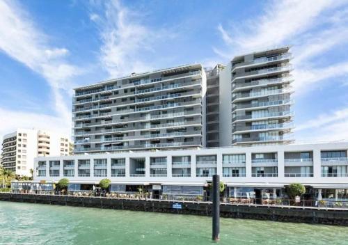 Harbourlights Luxury Unit - Stunning Marina Views