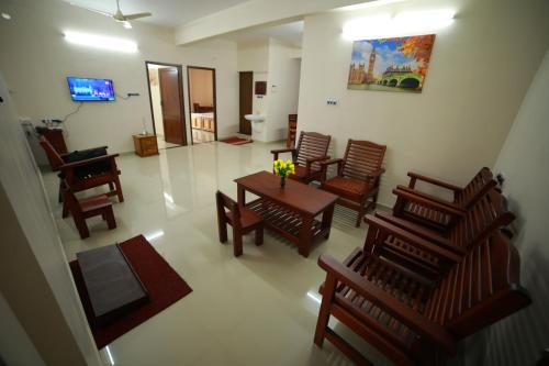 The Best Apartments In Trivandrum India Bookingcom - Indroyal bedroom furniture
