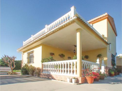 Three-Bedroom Holiday Home in Alhaurin de la Torre