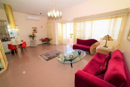Charming mini penthouse
