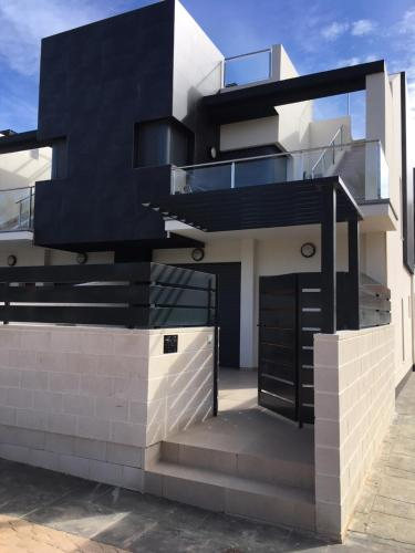 Luxury 3 bedroom 3 bathroom house, Playa Flamenca