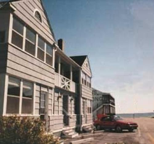 Beach Walk Apartments and Cottages