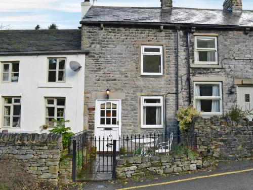 Hotels In Castleton Uk Michill Cottage