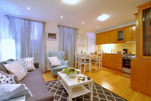 I 10 Migliori Hotel sulla Spiaggia di Città di Corfù, Grecia ...