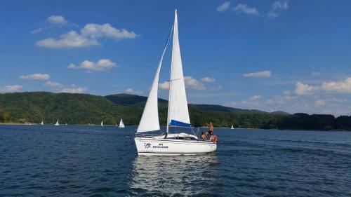 Czarter jachtu Solina 27 nad Solina