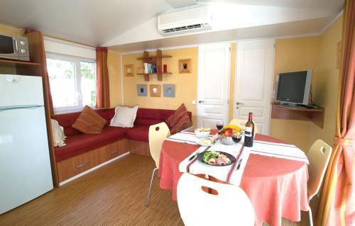 Description for a11y. Domaine résidentiel de plein air Vilanova Park