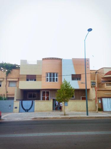 ウジダ(モロッコ)で人気のプー...