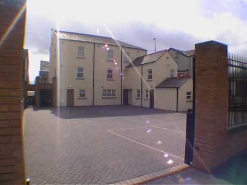Earle House Serviced Apartments