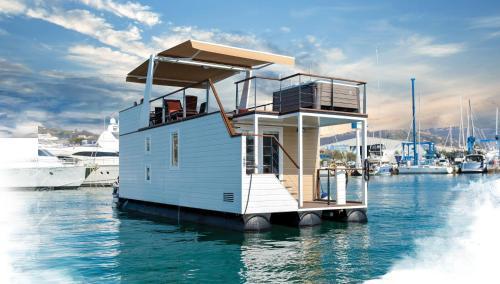 Floating House Adela
