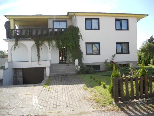 Kuressaare White Villa