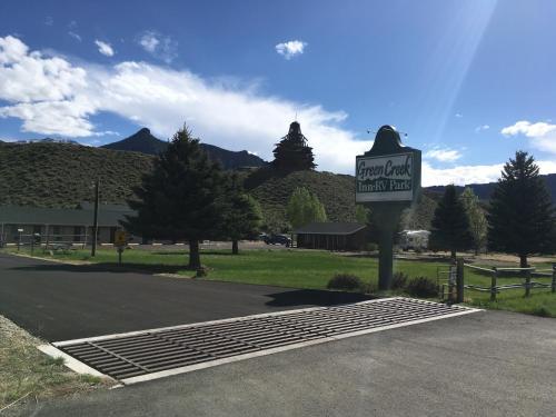 Green Creek Inn and RV Park