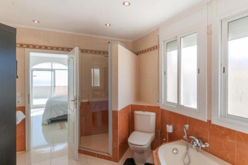 Exclusive traditional villa on the big shore Tarragona