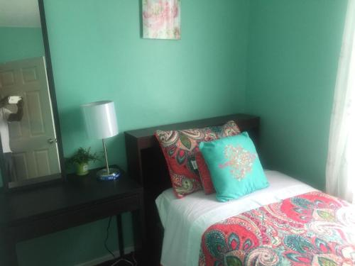 Guest house 5 min. from JFK