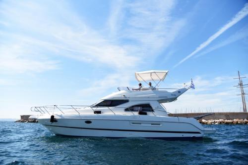 Luxury Motoryacht Cruises