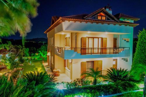Hill Side Villa
