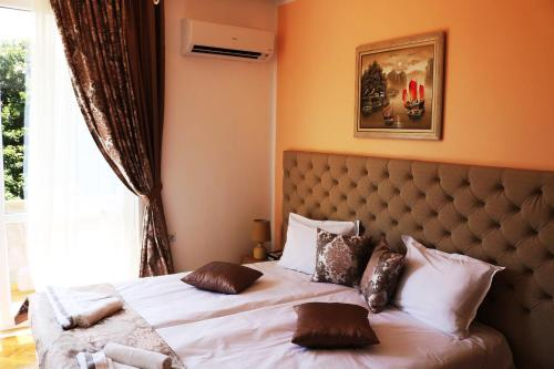 Sea Port CELEBRITY Apartment - Lets4Holiday
