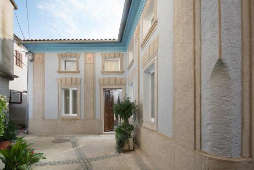 Mondinica Heritage House
