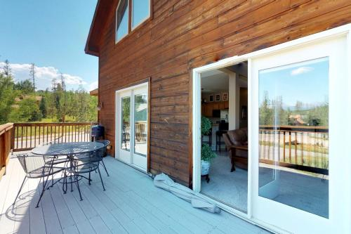 Tatonka Mountain Villa