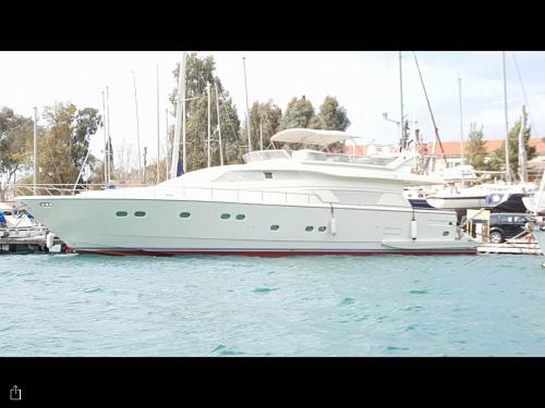 Motor Yacht AVRA FERRETTI 76