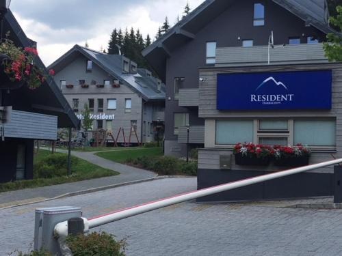 Resort 302