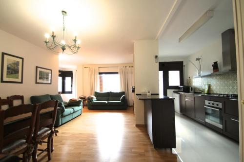 Apartamento para 8 en centro comecial
